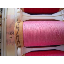 Organic cotton thread Color: pink candy