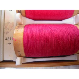 Organic cotton thread Color: fuchsia