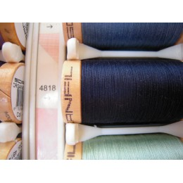 Organic cotton thread Color: navy blue