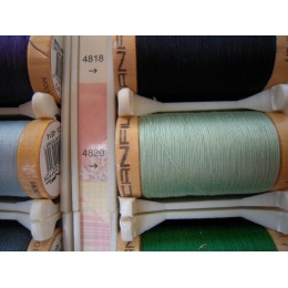 Organic cotton thread Color: almond green