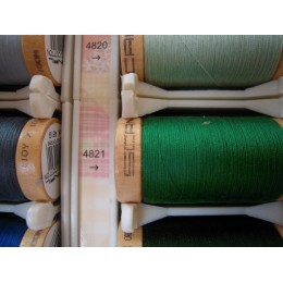 Organic cotton thread Color: meadow green
