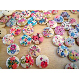 Buttons of wood flower print