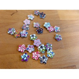 Painted flower wood button 15 mm