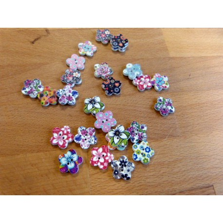 Buttons of wood 4 holes 15 mm flower shape