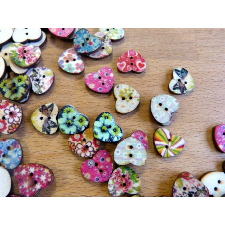 Buttons of wood 4 holes 15 mm heart shape