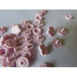 Flower shape baby pink snaps