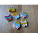 Cupcake shape wood button 25 mm