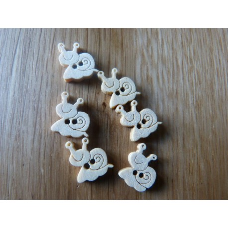 Wood button snail shape 15 mm