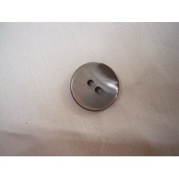 Button nacre black 18 mm